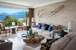 Salas/Recibidores de estilo mediterraneo por PDV studio di progettazione