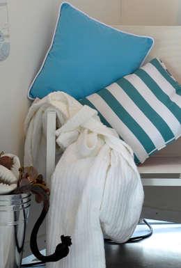 At the Beach: mediterrane Badkamer door Groothandel in decoratie en lifestyle artikelen