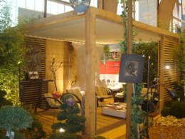 Pergola bioclimatique OUTSUN: Jardin de style de style Moderne par EXTAZE OUTDOOR