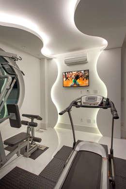 modern Gym by Arquiteto Aquiles Nícolas Kílaris