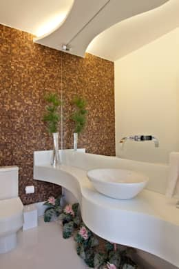 modern Bathroom by Designer de Interiores e Paisagista Iara Kílaris