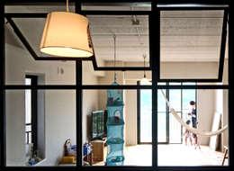 GRID DESIGN 株式会社의  창문