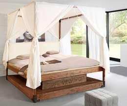 Dormitorios de estilo ecléctico de DELIFE