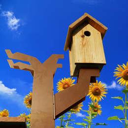 Vogelboomhut: scandinavische Tuin door Maandag meubels