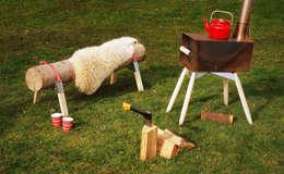 Houtkachel Hotdog: scandinavische Tuin door Maandag meubels
