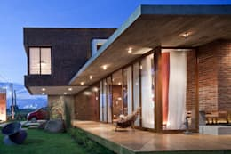 Casas de estilo moderno por Seferin Arquitetura