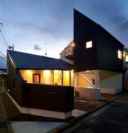 Casas modernas por 株式会社POINT