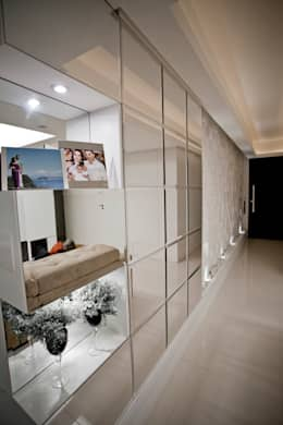 Apartamento E&E.S - Cozinha: Corredores e halls de entrada  por Kali Arquitetura
