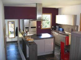 modern Kitchen by Cléo Chatelet Architecte