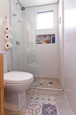 حمام تنفيذ Raphael Civille Arquitetura