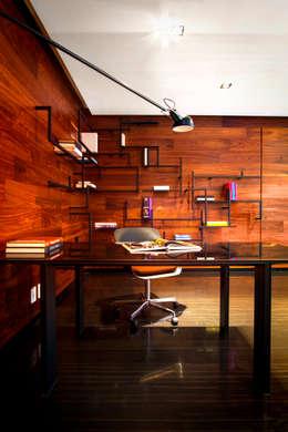 Départamento Vidalta: Estudios y oficinas de estilo moderno por Concepto Taller de Arquitectura