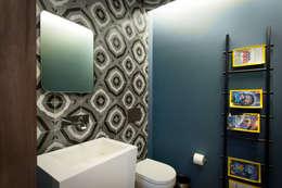 Baños de estilo moderno por Concepto Taller de Arquitectura