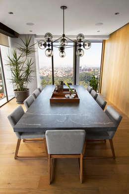 Comedores de estilo moderno por Concepto Taller de Arquitectura