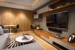 Departamento DG: Salas multimedia de estilo moderno por Concepto Taller de Arquitectura