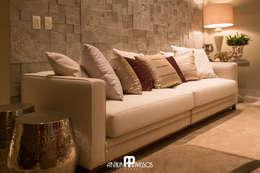 Projeto 1: Salas de estar clássicas por Ilana Santiago Arquitetura