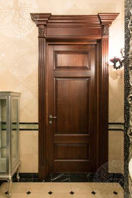 Puertas y ventanas de estilo  por Lesomodul