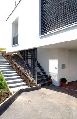 moderne Huizen door 5 Architekten AG