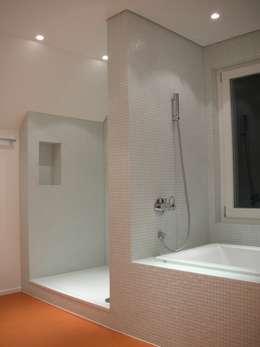 Projekty,  Łazienka zaprojektowane przez 5 Architekten AG