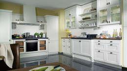 Küchenbau in Perfektion: landhausstil Küche von Tischlerei Tolinzki