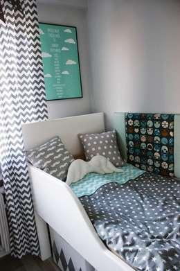 Habitaciones infantiles de estilo  por  PRACOWNIA PROJEKTOWA SHEKOKU Sabina Kulaszewicz