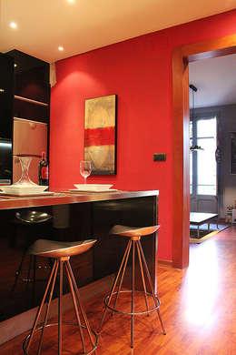 Cocina de estilo  por XTe Interiorismo