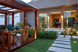 Jardines de estilo moderno por CP Paisagismo