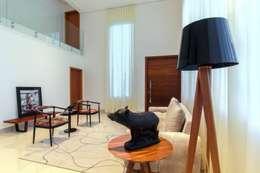 modern Living room by Tony Santos Arquitetura