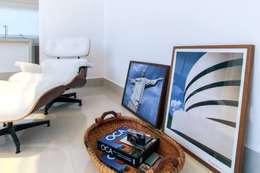 Livings de estilo clásico por Tony Santos Arquitetura
