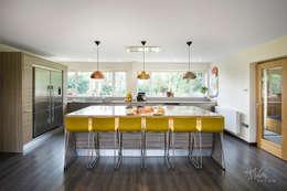 modern Kitchen تنفيذ Lisa Melvin Design