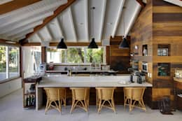 country Kitchen by Raquel Junqueira Arquitetura