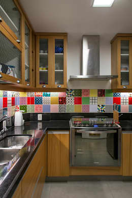 modern Kitchen by Raquel Junqueira Arquitetura