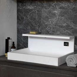 JP - Lavabo: Bagno in stile in stile Moderno di MG12