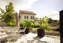 Bacs Image'In / Treillis pour plantes grimpantes: Terrasse de style  par ATELIER SO GREEN