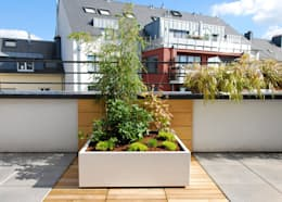 Jardinière sur mesure Image'In: Balcon, Veranda & Terrasse de style de style Moderne par ATELIER SO GREEN