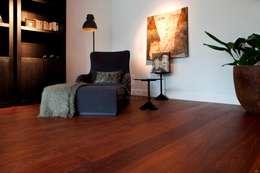 Houten vloer | Sucupira | Leeshoek | Bibliotheek:  Muren door BVO Vloeren