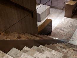 Hieronymus:  Winkelruimten door Glenn Sestig Architects