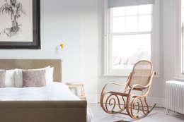 Dormitorios de estilo escandinavo por deDraft Ltd