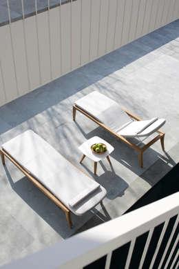 Balcones y terrazas de estilo escandinavo por Royal Botania