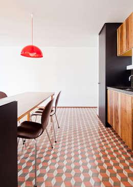 Apartamento Maria Antônia: Cozinhas modernas por Zemel+ ARQUITETOS