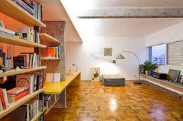 Apartamento Maria Antônia: Salas de estar modernas por Zemel+ ARQUITETOS