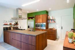 VOOR & NA keuken 3:   door RENO GROUP