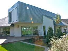 Maisons de style de style Moderne par gmyrekarchitekten