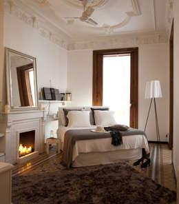 Dormitorios de estilo ecléctico por Deu i Deu