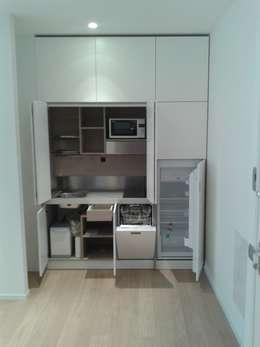Le cucine bianche modelli e stili diversi - Cucine monoblocco a scomparsa ...