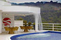 Бассейн в . Автор – Arquiteto Aquiles Nícolas Kílaris