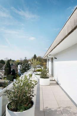 Aménagement d'un penthouse: Terrasse de style  par Christophe Ternest Architecture d'intérieur