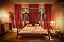 Dormitorios de estilo ecléctico de Lupus73