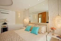 غرفة نوم تنفيذ Designer de Interiores e Paisagista Iara Kílaris