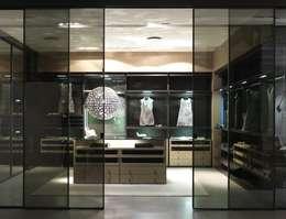 Projekty,  Garderoba zaprojektowane przez Lamco Design LTD