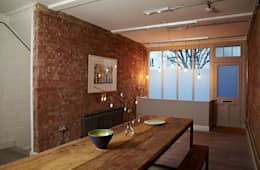 industrial Dining room by Propia